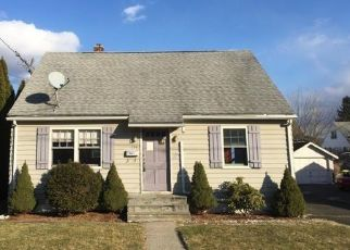 Foreclosed Home in Waterbury 06705 MANSFIELD AVE - Property ID: 4440501572