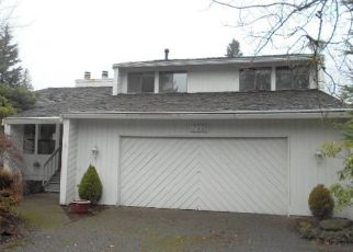 Foreclosed Home in Renton 98058 155TH AVE SE - Property ID: 4440655745