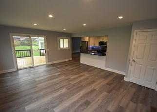 Foreclosed Home in Ontario 14519 LAKESIDE RD - Property ID: 4440658359