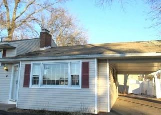 Foreclosed Home in West Hartford 06107 ASHFORD RD - Property ID: 4440843633
