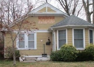 Foreclosed Home in Blue Point 11715 BELL AVE - Property ID: 4440851511