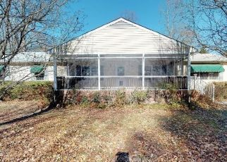 Foreclosed Home in Saluda 23149 RIVER ROAD CIR - Property ID: 4441089784