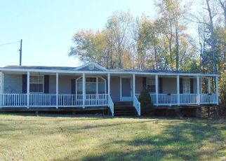 Foreclosed Home in Warsaw 22572 JONES CREEK RD - Property ID: 4441102924