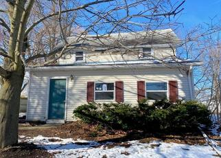 Foreclosed Home in Auburn 13021 SCHOOL ST - Property ID: 4441121302