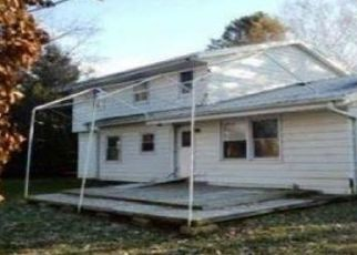 Foreclosed Home in Brookfield 53045 DE CARLIN DR - Property ID: 4441131827