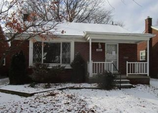 Foreclosed Home in Redford 48239 HAZELTON - Property ID: 4441153269