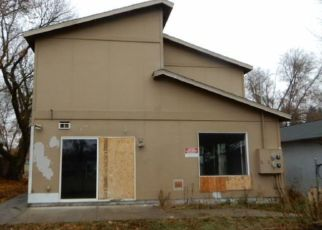 Foreclosed Home in Spokane 99202 S RAY ST - Property ID: 4441155914
