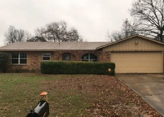 Foreclosed Home in Texarkana 75501 E GREENFIELD DR - Property ID: 4441213725