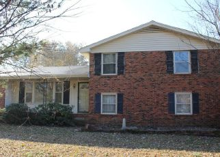 Foreclosed Home in Greenbrier 37073 BRIARWOOD DR - Property ID: 4441274148