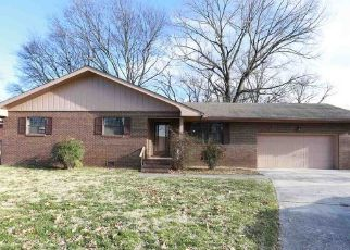 Foreclosed Home in Chattanooga 37404 N WILLOW ST - Property ID: 4441281155
