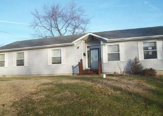 Foreclosed Home in Saint Louis 63121 KATHERINE AVE - Property ID: 4441322334