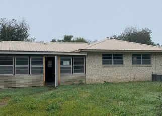 Foreclosed Home in Hugo 74743 E BROWN ST - Property ID: 4441403354