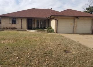 Foreclosed Home in Oklahoma City 73110 N RIDGEWOOD DR - Property ID: 4441414305