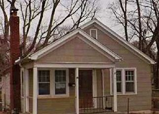 Foreclosed Home in Independence 64052 S ASH AVE - Property ID: 4441554456