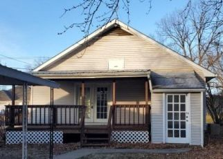 Foreclosed Home in Clinton 64735 N 3RD ST - Property ID: 4441555783