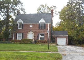 Foreclosed Home in Flossmoor 60422 BURNS AVE - Property ID: 4441709952