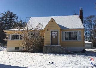 Foreclosed Home in Lansing 60438 PAXTON AVE - Property ID: 4441710377