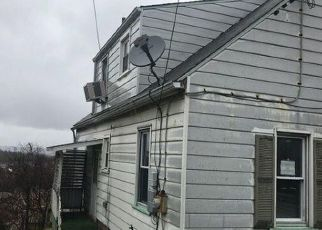 Foreclosed Home in Clairton 15025 TOMAN AVE - Property ID: 4441938564