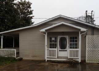 Foreclosed Home in Toccoa 30577 E TUGALO ST - Property ID: 4441986302