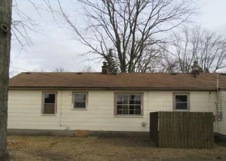 Foreclosed Home in Livonia 48154 CAVOUR ST - Property ID: 4442026152