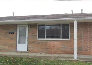 Foreclosed Home in Rocky River 44116 RIVER OAKS DR - Property ID: 4442054185