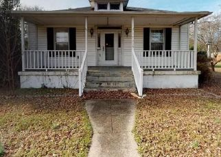Foreclosed Home in Newport News 23603 WARWICK BLVD - Property ID: 4442078722