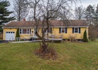 Foreclosed Home in Bloomfield 06002 NEWPORT DR - Property ID: 4442194789