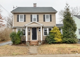Foreclosed Home in Stratford 06614 HENRY AVE - Property ID: 4442209675