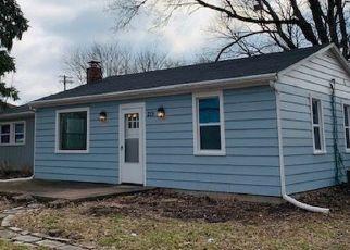 Foreclosed Home in Sugar Grove 60554 S SUGAR GROVE PKWY - Property ID: 4442377865
