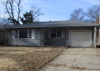 Foreclosed Home in Topeka 66611 SW DEVON AVE - Property ID: 4442400181
