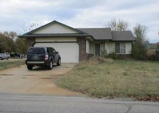 Foreclosed Home in Wichita 67217 S STONEBOROUGH CT - Property ID: 4442401952