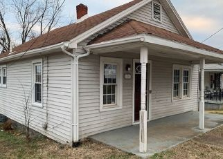 Foreclosed Home in Henderson 42420 MAPLE ST - Property ID: 4442413771