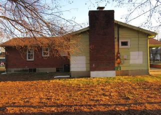 Foreclosed Home in Elizabethtown 42701 FAIRVIEW DR - Property ID: 4442423399