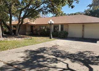 Foreclosed Home in San Antonio 78230 CHATEAU FOREST LN - Property ID: 4442717278
