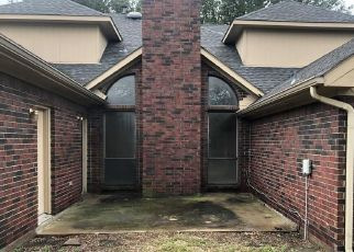Foreclosed Home in Mesquite 75181 CRAIG DR - Property ID: 4442740490
