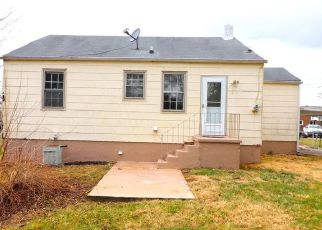 Foreclosed Home in Roanoke 24012 TROY AVE NE - Property ID: 4442742239