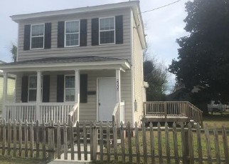 Foreclosed Home in Portsmouth 23704 CHARLESTON AVE - Property ID: 4442816259