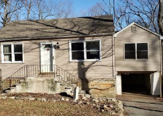 Foreclosed Home in Hewitt 07421 TANSBORO RD - Property ID: 4442884141