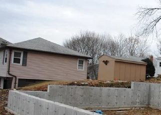 Foreclosed Home in Manville 02838 CENTRAL ST - Property ID: 4442889857