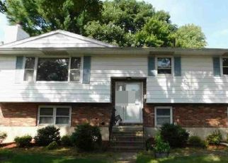 Foreclosed Home in Waterbury 06705 SCOTT RD - Property ID: 4442912171