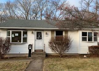Foreclosed Home in West Warwick 02893 EILEEN DR - Property ID: 4442924440