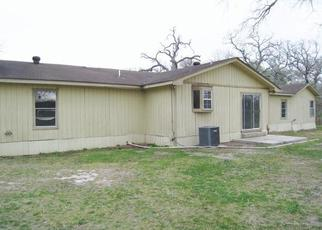 Foreclosed Home in Luling 78648 IVY SWITCH RD - Property ID: 4443017739