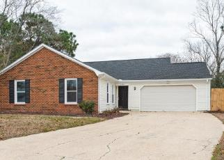 Foreclosed Home in Virginia Beach 23454 EAST BROOK CIR - Property ID: 4443171464