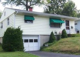 Foreclosed Home in Jamestown 14701 HALLOCK ST - Property ID: 4443191164