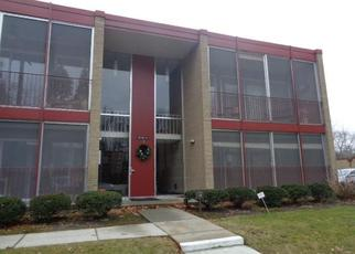 Foreclosed Home in Livonia 48154 MIDDLEBELT RD - Property ID: 4443267828