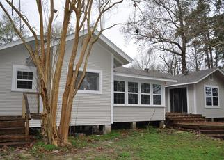 Foreclosed Home in Silsbee 77656 HARRIS ST - Property ID: 4443315556
