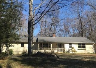 Foreclosed Home in Danbury 06810 CARRIAGE LN - Property ID: 4443328702