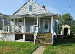 Foreclosed Home in Dundalk 21222 DEL RIO RD - Property ID: 4443482871
