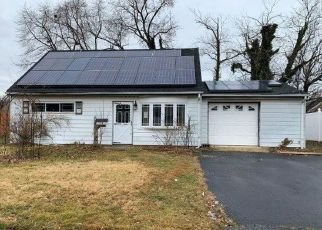 Foreclosed Home in Hazlet 07730 CEDAR AVE - Property ID: 4443521402