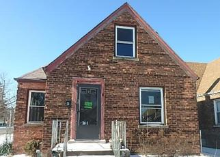 Foreclosed Home in Chicago 60617 S AVENUE M - Property ID: 4443551177